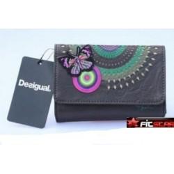 Krásná dámská peněženka Desigual